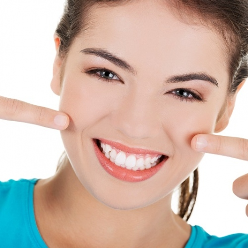 Top 6 Harmless Teeth Whitening Methods Every Dentist Recommends