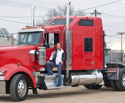Safety Precaution Tips That Truck Drivers Must Take