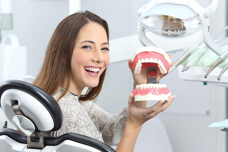The Benefits Of Denture Implants
