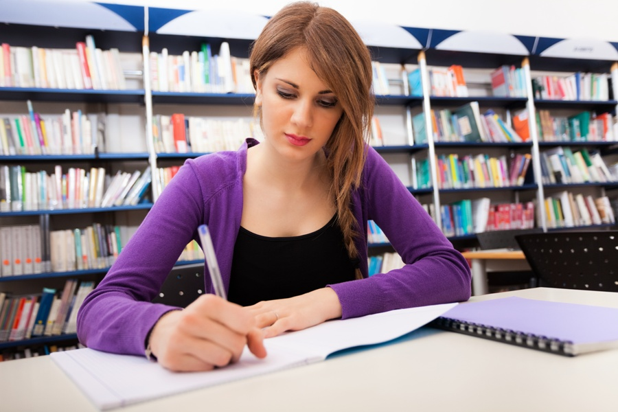 Hiring Thesis Writing Services In UK